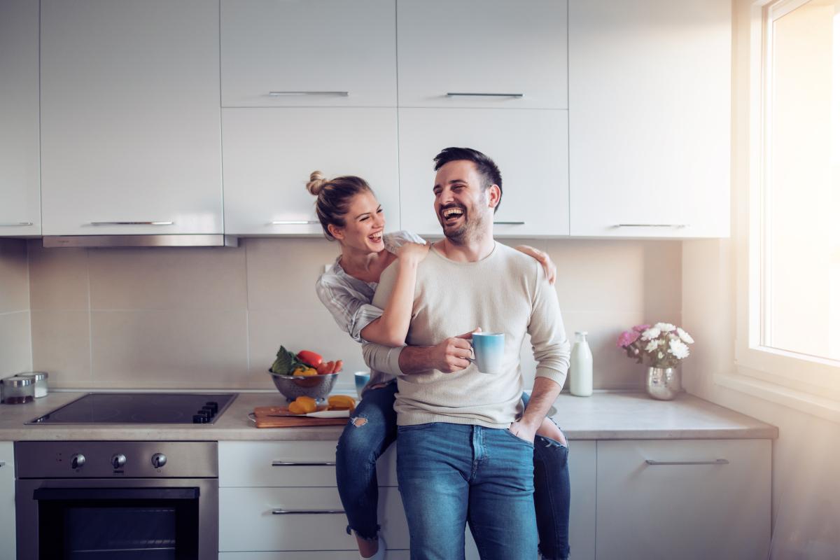 Aide achat immobilier neuf - Un couple est propriétaire de son premier logement neuf