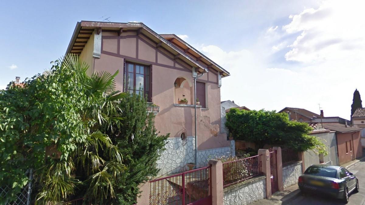 programme neuf Guilheméry - Une maison construite sur 2 étages située dans une rue résidentielle à Toulouse Guilheméry