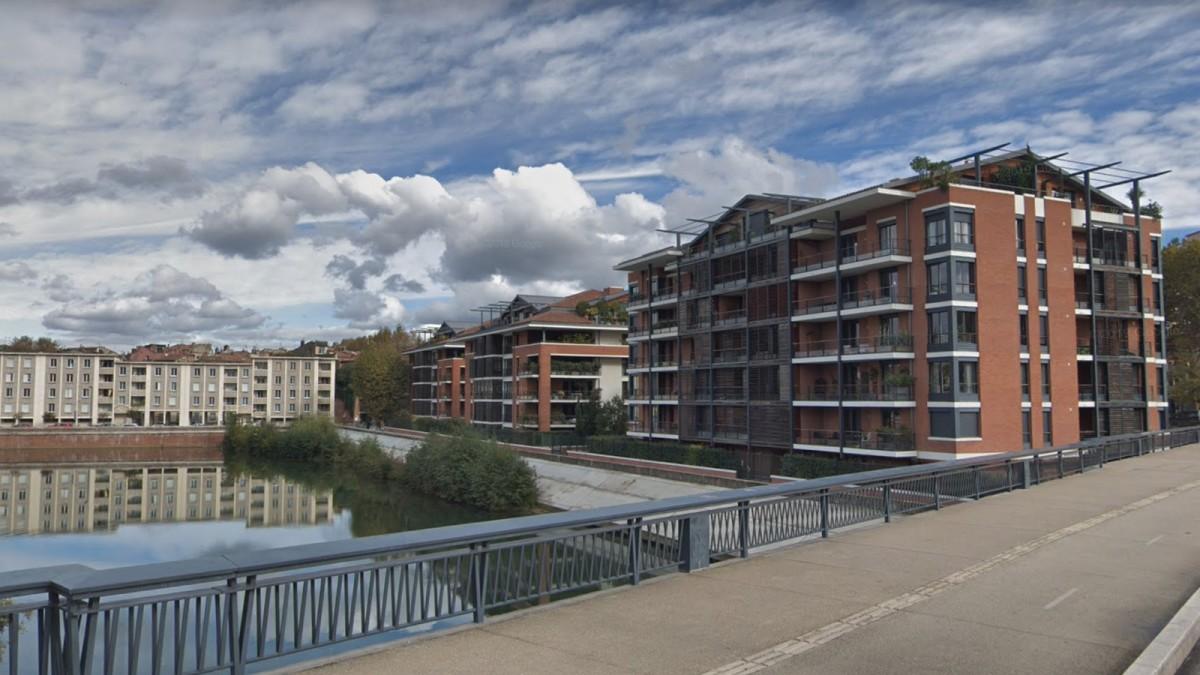 appartement neuf toulouse hypercentre - Un ensemble d'immeubles récent situé le long du pont Saint-Michel