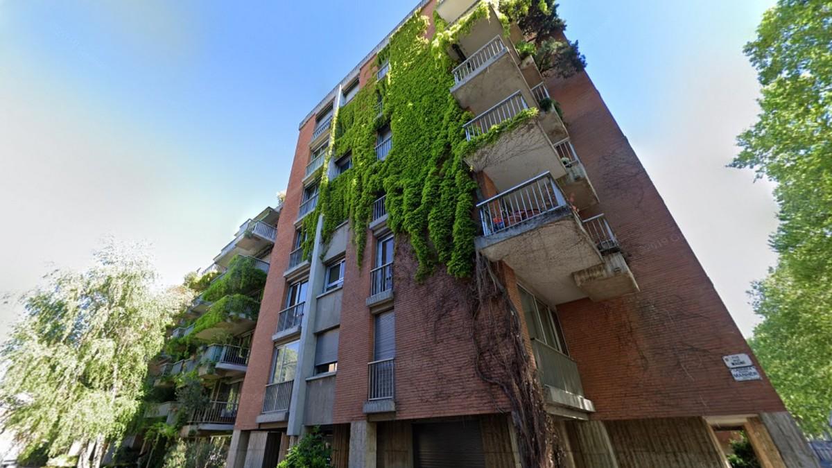 immobilier neuf toulouse Saint-Cyprien - Un immeuble regroupant des appartements et couvert de végétation à Toulouse Saint-Cyprien