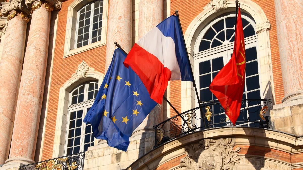 immobilier neuf toulouse - Les drapeaux de la mairie de Toulouse