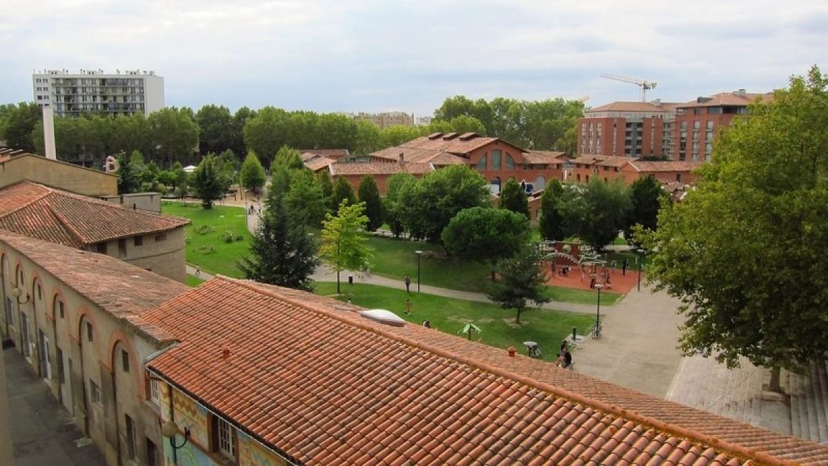 Hôpital Lagrave à Toulouse - Le jardin Raymond VI à Toulouse