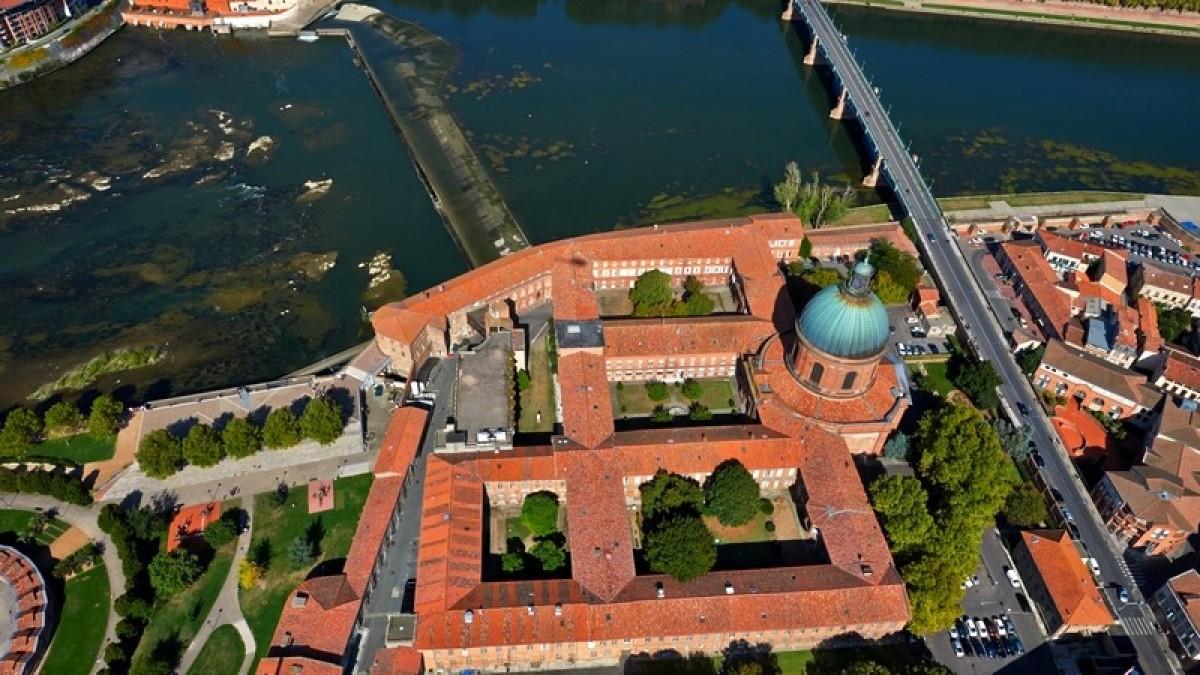 Hôpital Lagrave à Toulouse - Vue aérienne de l'hôpital Lagrave à Toulouse