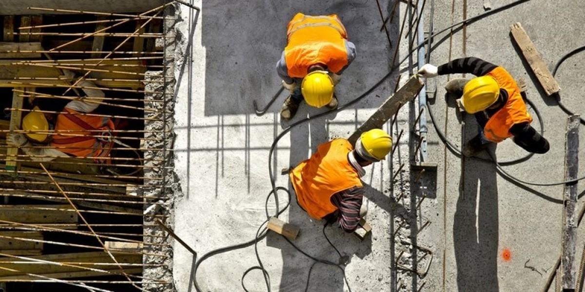 covid 19 promotion neuve - Des ouvriers sur un chantier