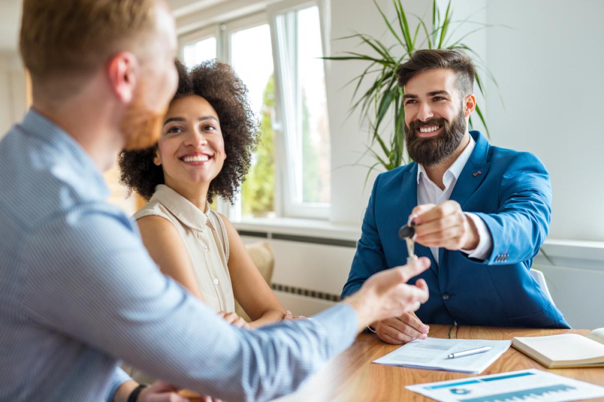 Projet de loi Finances 2018 - Un couple d'investisseurs se se voit remettre les clés de son logement neuf