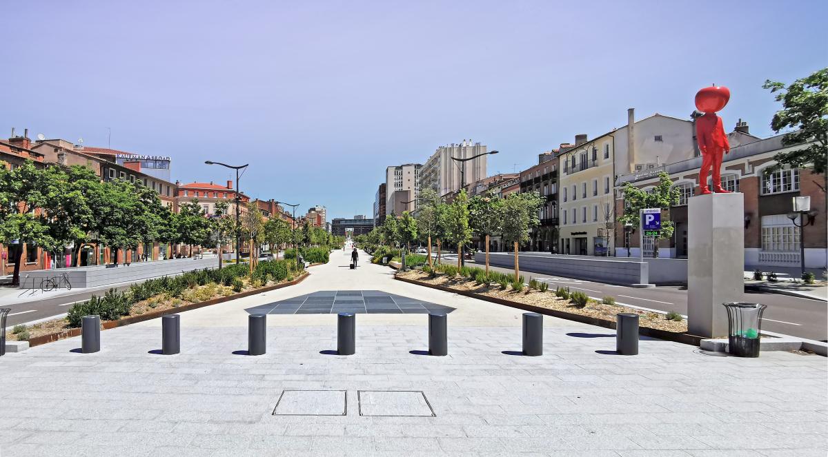 Joan Busquets – Vue les ramblas de Toulouse inspirées de Barcelone