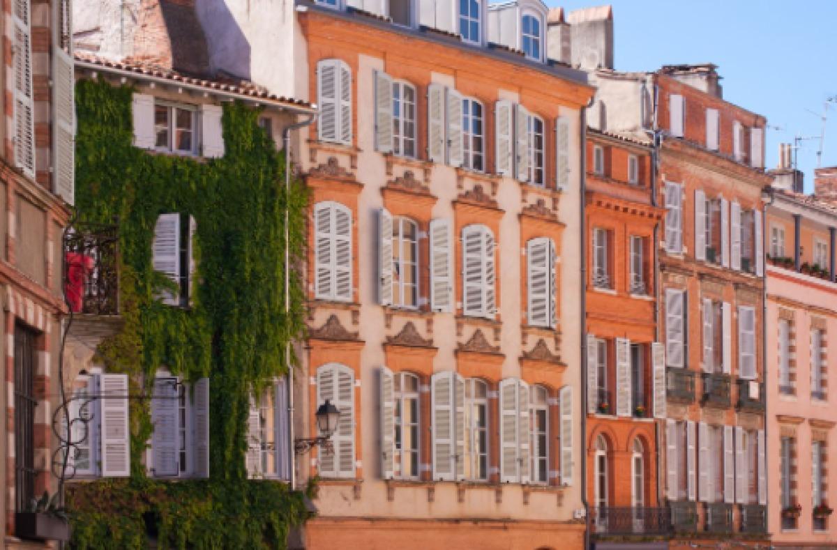 Immobilier neuf Toulouse Carmes – Vue sur place Sainte-Scarbes
