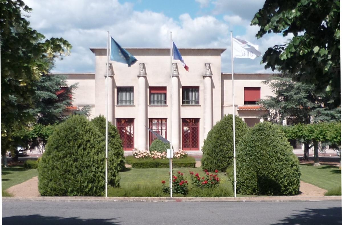 Devanture du bâtiment Lemaresquier dans le nouveau quartier Guillaumet à Toulouse