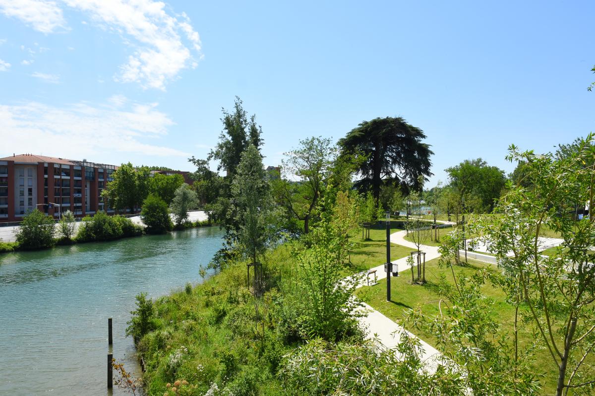 QPV à Toulouse – Vue sur le quartier d'Empalot depuis la Garonne