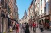 Métropolis Empalot - Des gens se promènent dans la Rue du Taur à Toulouse